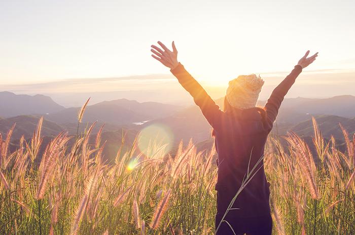 La vida no espera a que nos desperecemos, busca qué te hace feliz y vive